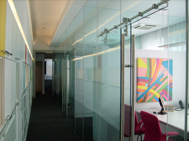 Glass door commercial sliding glass doors inspiring for Commercial interior sliding glass doors